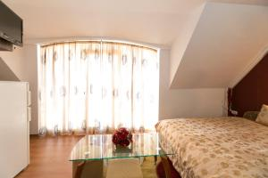 Guest Rooms Tivona,